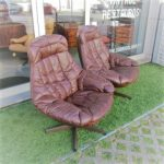 """Nordic leather chairs, designed by H W Klein, """"silhouette"""" model. Nordic furniture in Porto. Vintage furniture in Porto. Restoration of furniture in Porto."""