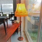 Nordic floor lamp. Nordic furniture in Porto. Vintage furniture in Porto. Restoration of furniture in Porto.