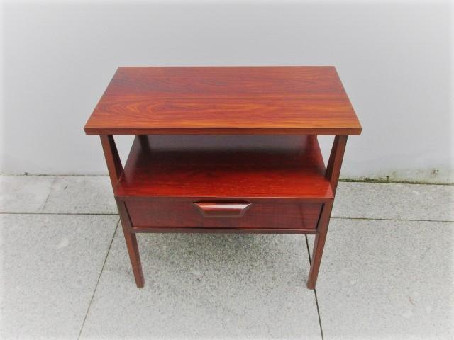 130/5000 Nordic bedside tables in rosewood.Nordic furniture in Porto.Vintage furniture in Porto.Restoration of furniture in Porto.