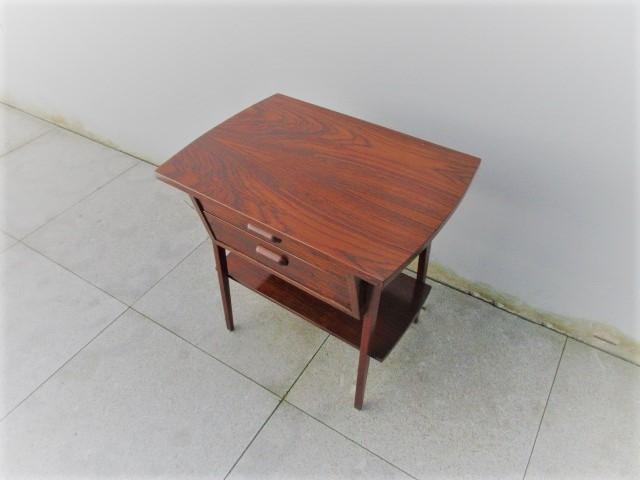 Nordic bedside tables in rosewood.Nordic furniture in Porto.Vintage furniture in Porto.Restoration of furniture in Porto.