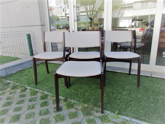 Nordic chairs in rosewood produced by Skovby MÖBELFABRIK. Nordic furniture in Porto. Vintage furniture in Porto. Restoration of furniture in Porto.