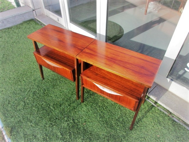 Tables Nordic bedside in rosewood. Nordic furniture in Porto. Vintage furniture in Porto. Restoration of furniture in Porto.