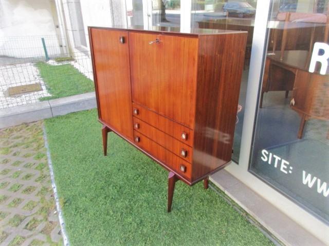 Vintage bar furniture in rosewood.Nordic furniture in Porto.Vintage furniture in Porto.Restoration of furniture in Porto.