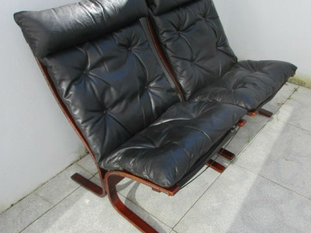 Nordic leather chair, model Siesta by Ingmar Relling. Nordic furniture in Porto. Vintage Furniture in Porto. Furniture Restoration in Porto