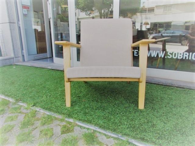 Nordic style chair, designed by Hans Wegner, model ge290. Nordic furniture in Porto. Vintage furniture in Porto. Restoration of furniture in Porto.