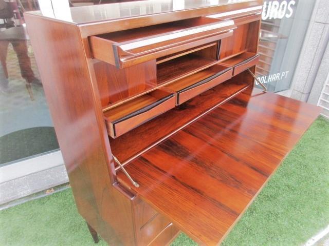 Nordic desk / secretary in rosewood, designed by Ib Kofod Larsen.Nordic furniture in Porto.Vintage furniture in Porto.Restoration of furniture in Porto.