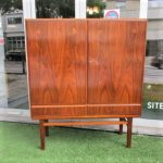Nordic sideboard in rosewood. Nordic furniture in Porto. Vintage furniture in Porto. Furniture restoration in Porto.