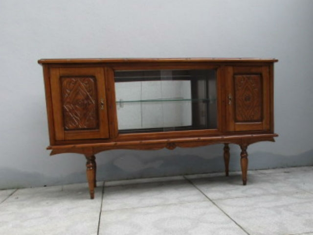 Vintage sideboard in oak. Vintage furniture. Nordic furniture. Classical furniture. Restoration.