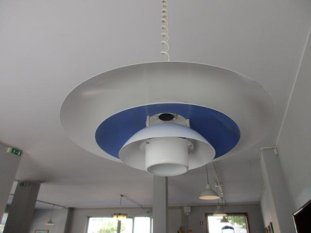 Nordic ceiling lamp. Nordic furniture in Porto. Vintage Furniture in Porto. Restoration of furniture in Porto.