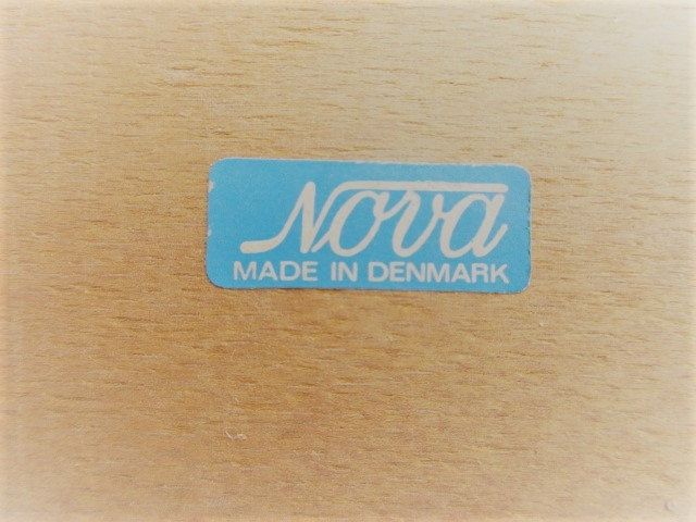 148/5000 Nordic chairs in rosewood, produced by Nova Mobler.Nordic furniture in Porto.Vintage furniture in Porto.Restoration of furniture in Porto.