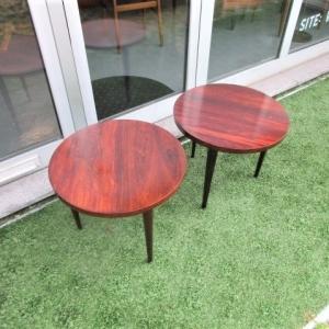 Mesas de apoio vintage redondas, em pau santo